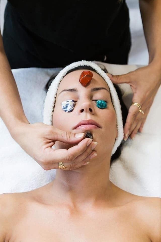 Hollistische gezichtsverzorging met edelstenen | Beauty with Senses